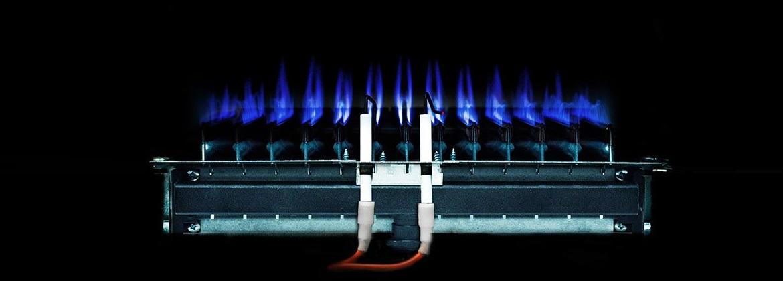 почему хлопает газовый котел при включении